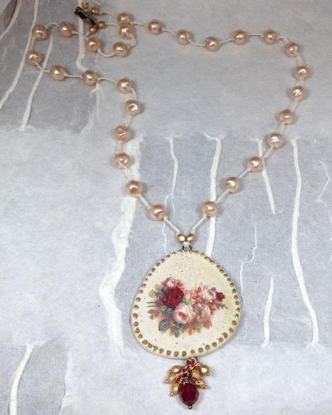 Zesty Frog rose necklace