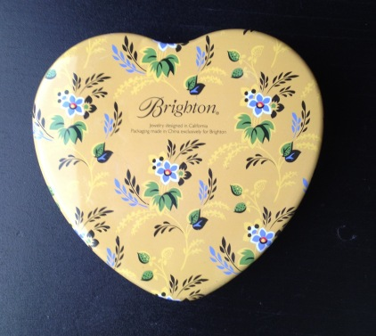 heart tin yellow and blue side