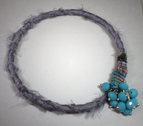 BeadLove - gray bangle