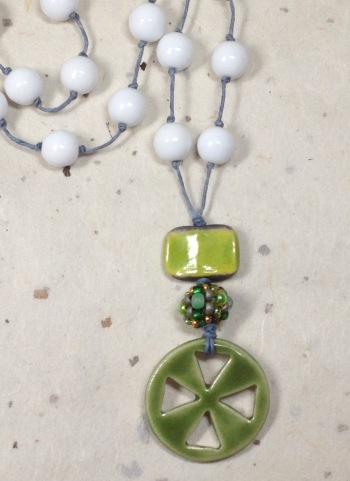 BeadLove - green and white necklace