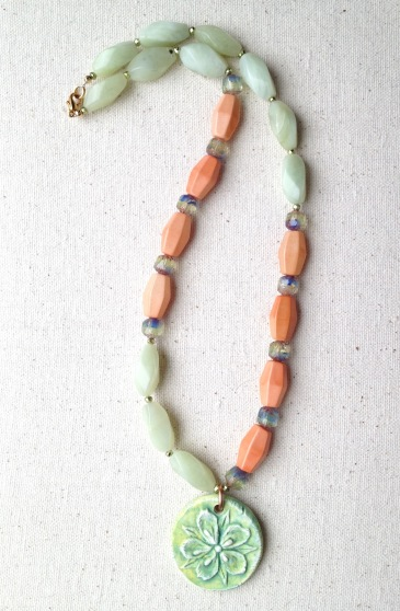 BeadLove - Mystery 3 A.T. flower pendant necklace