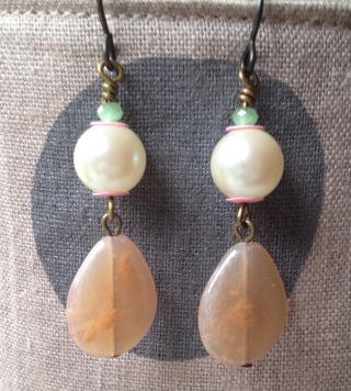 BeadLove - Mystery 3 pearl earrings