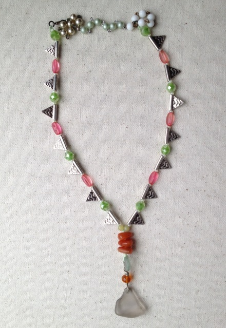 BeadLove - Mystery 3 Thornton seaglass necklace