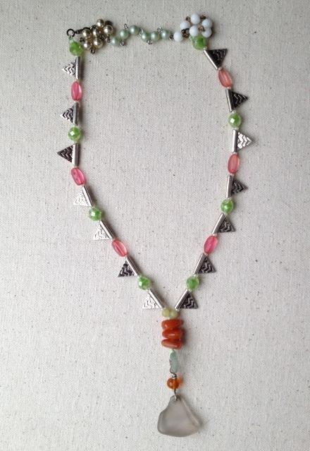 BeadLove - Mystery 3 Thornton seaglass necklace
