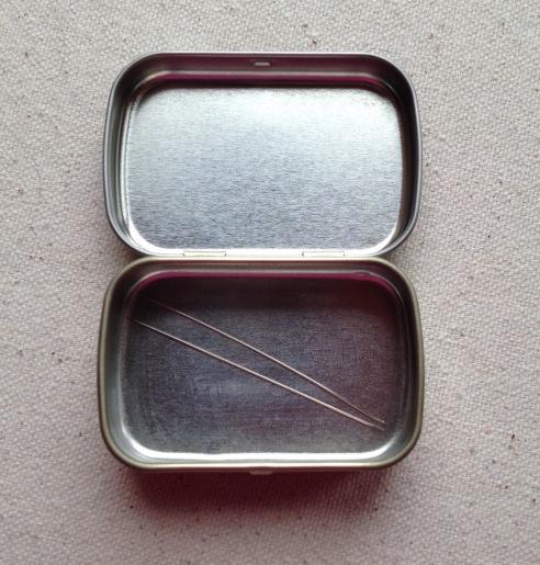 altoid-smalls-needles