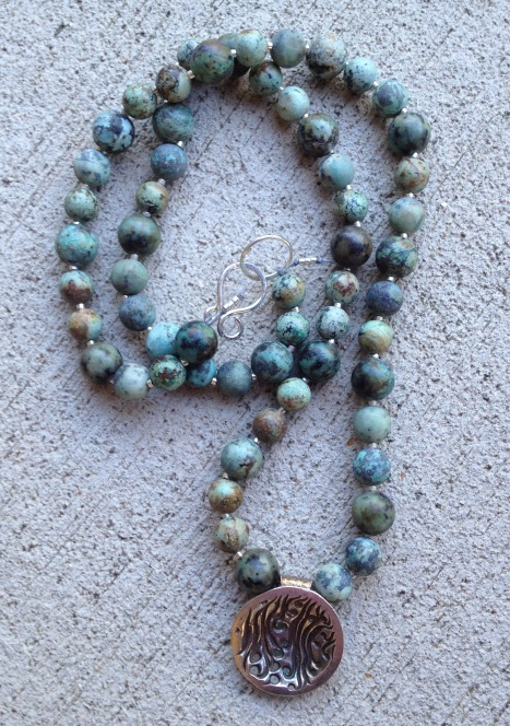 beadlove-jennifer-tough-necklace