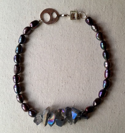 beadlove-pearl-and-quartz-necklace