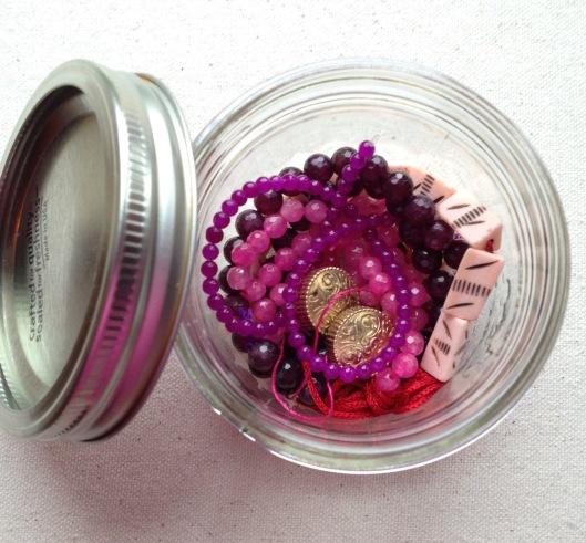 honey-bead-container