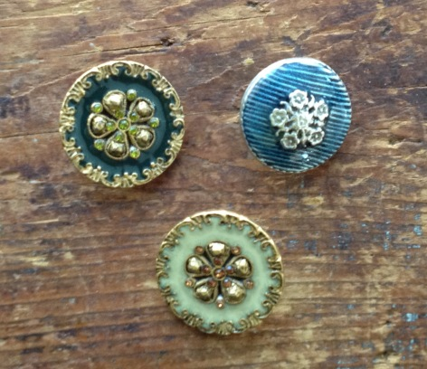 enamel-buttons