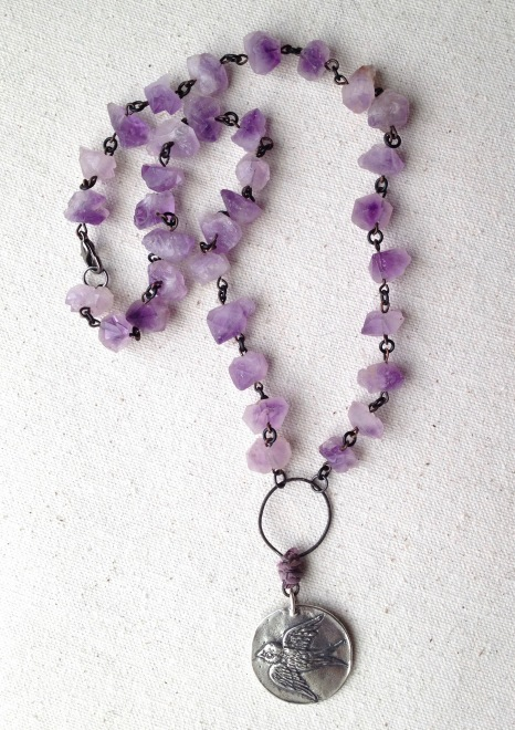 beadlove-amethyst-bird-necklace