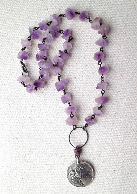 beadlove-amethyst-bird-necklace