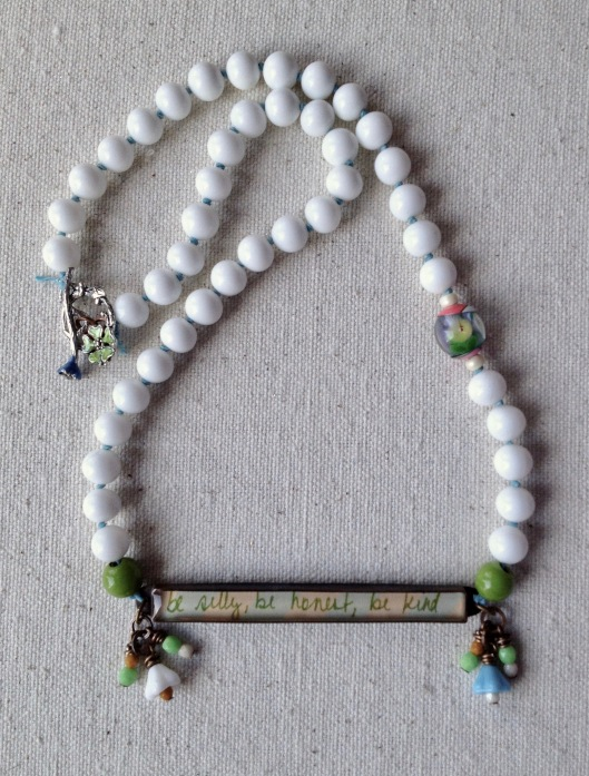 beadlove-jade-scott-bar-necklace