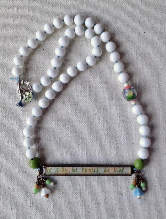 beadlove-jade-scott-bar-necklace