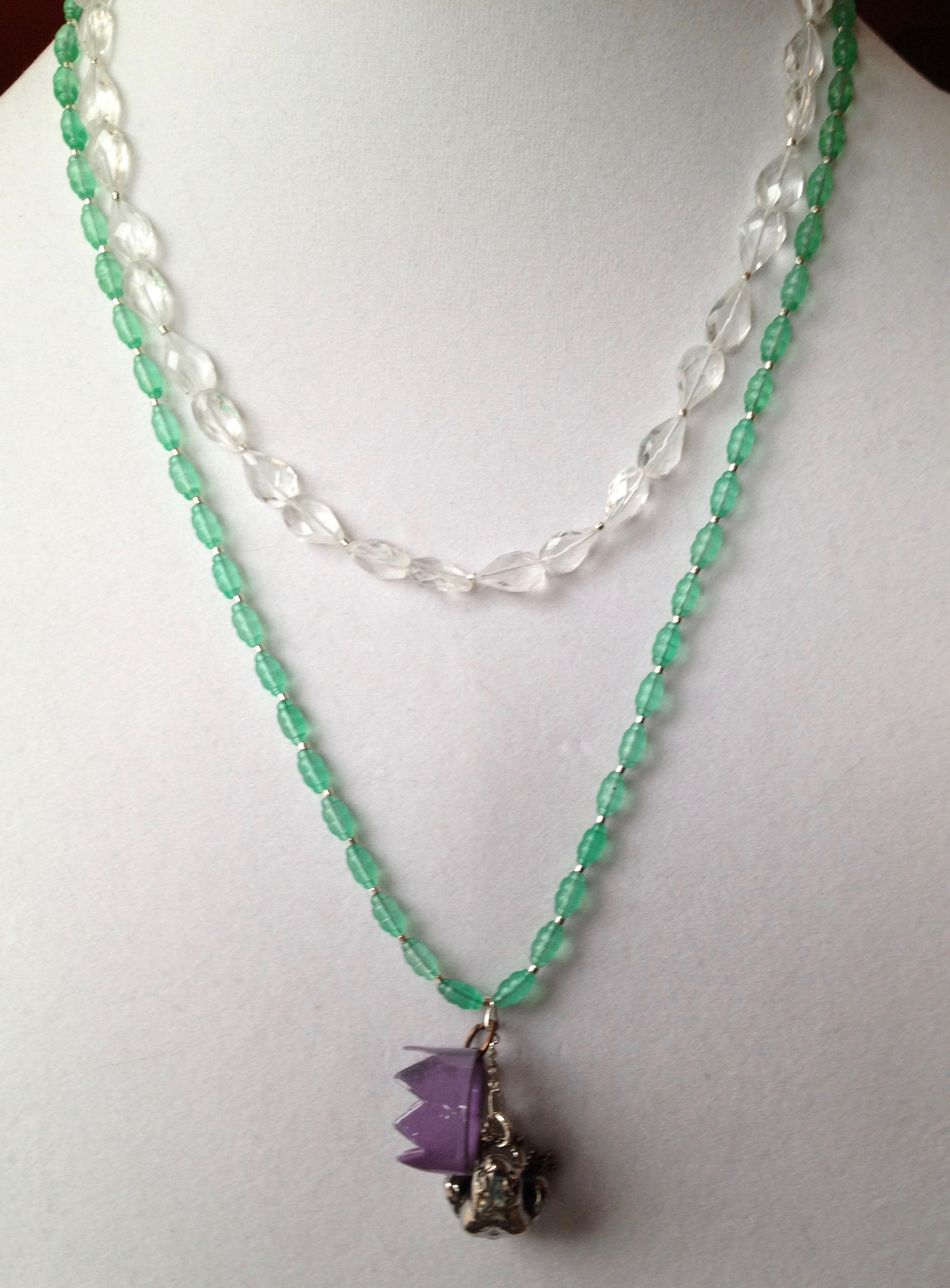 jade o and jadeite truong r impressive highly a alain chinese necklace bead diamond archives