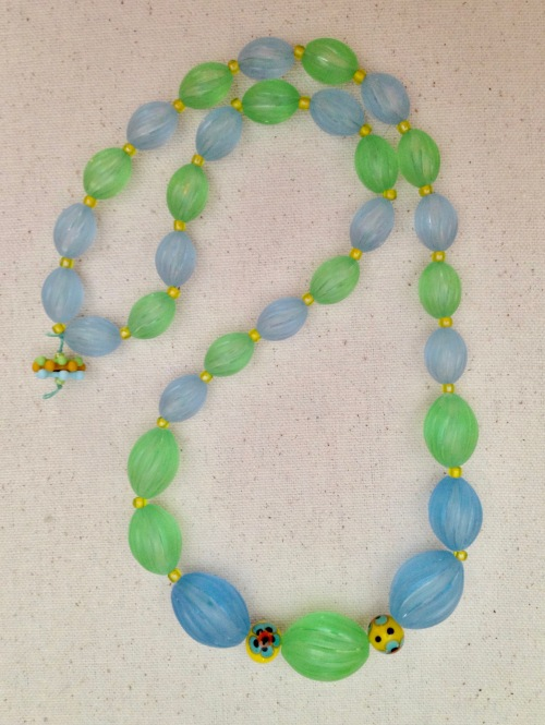 beadlove-ap-blue-green-plastic-bead-necklace